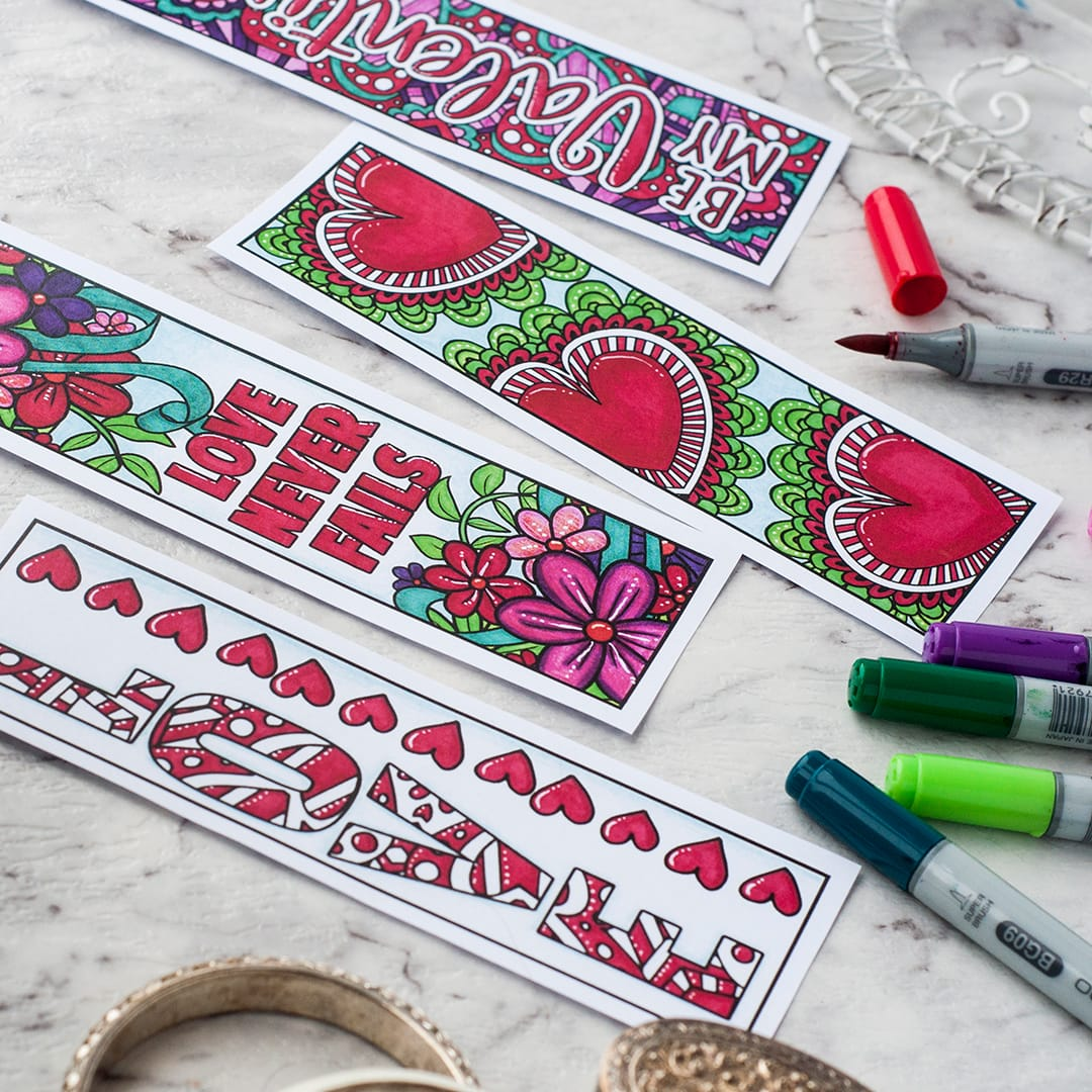Make a coloring page bookmark | Click to see all 29 creative ways to repurpose your coloring pages | #coloringpage #crafts www.sarahrenaeclark.com