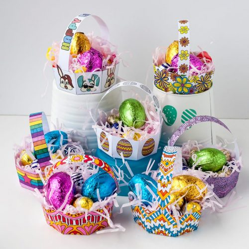 Make your own Easter egg baskets with this set of 8 printable templates by Sarah Renae Clark. Find more Easter printables and coloring pages at www.sarahrenaeclark.com