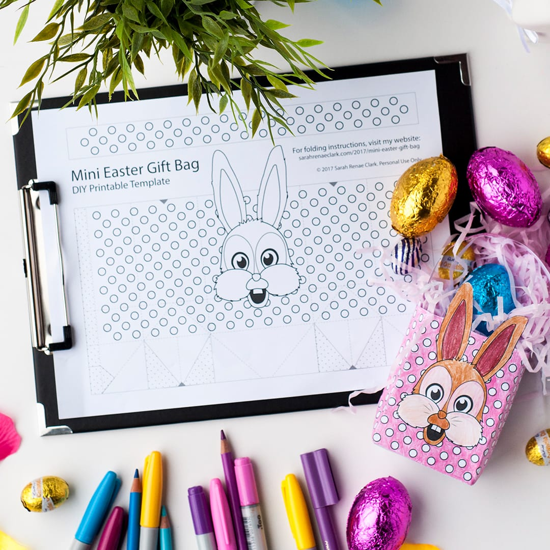 Make your own mini Easter gift bag with this printable template! Find more Easter printables, craft templates and coloring pages at https://sarahrenaeclark.com/shop/cat/seasonal/easter