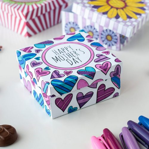 Make a paper gift box for Mother's Day with this template and video tutorial by Sarah Renae Clark. There are 6 different designs to color in! What a great DIY Mother's Day gift| Find more Mother's Day printables and coloring pages at https://sarahrenaeclark.com/shop/cat/seasonal/mothers-day/