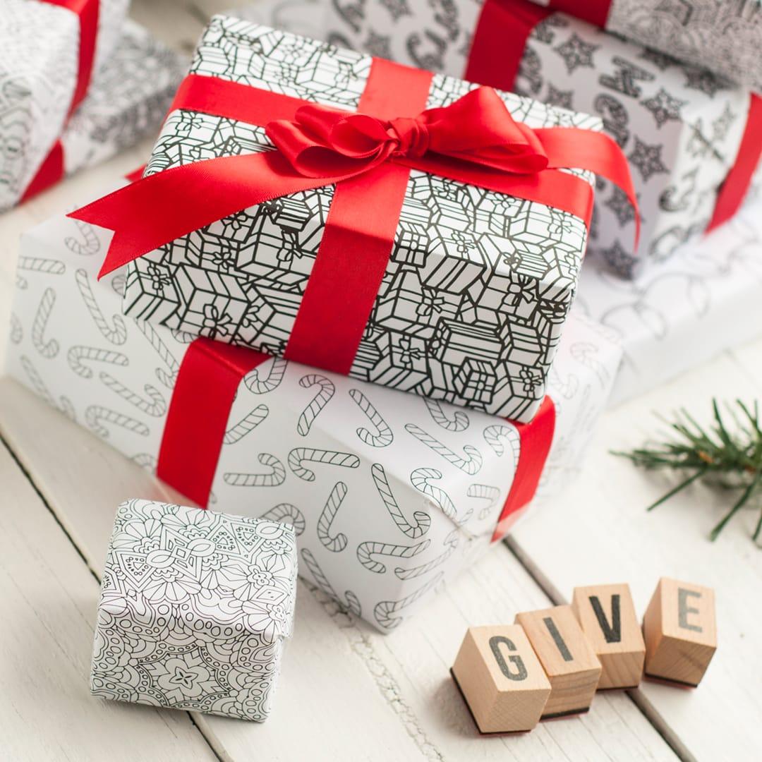 DIY Christmas wrapping paper – 8 printable gift wrap templates for Christmas gift wrapping   Find more Christmas printable activities and coloring pages at www.sarahrenaeclark.com/christmas