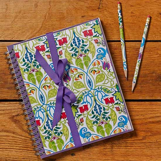Make a coloring page journal set! | Click to see all 29 creative ways to repurpose your coloring pages | #coloringpage #crafts www.sarahrenaeclark.com