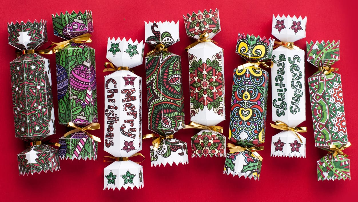 How to Make a Christmas Cracker