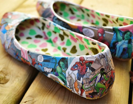 Give your shoes a coloring page makeover! | Click to see all 29 creative ways to repurpose your coloring pages | #coloringpage #crafts www.sarahrenaeclark.com
