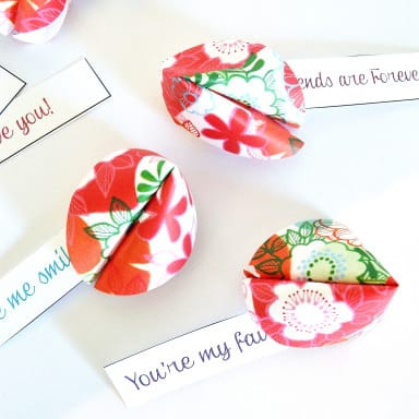 Make a DIY fortune cookie with a coloring page | Click to see all 29 creative ways to repurpose your coloring pages | #coloringpage #crafts www.sarahrenaeclark.com