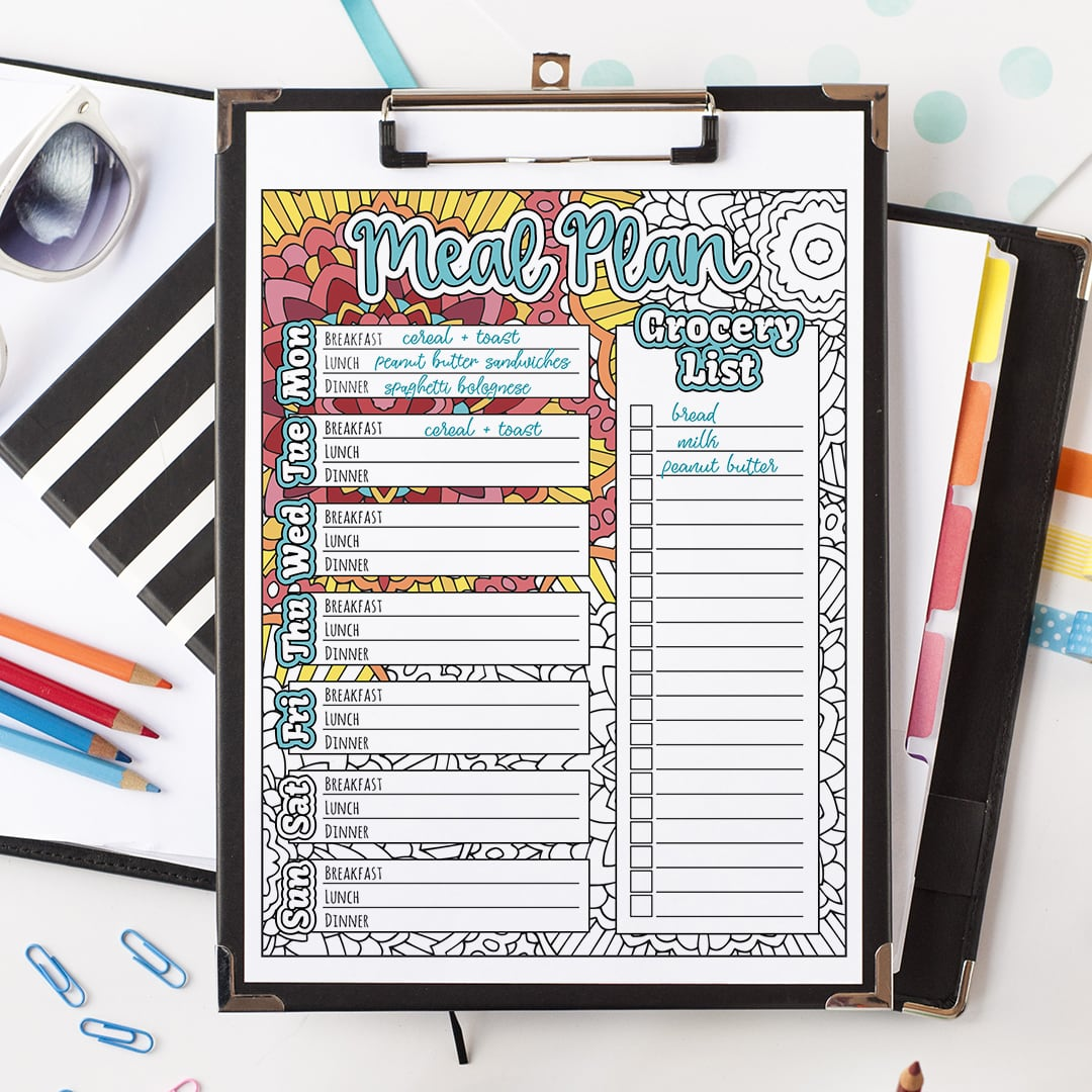 Meal planner printable - color in and plan your weekly meals for the family! Includes breakfast, lunch and dinner plus a grocery list. Find more planner printables at www.sarahrenaeclark.com | #printable #printables